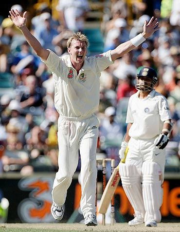 Brett Lee appeals for the wicket of Sachin Tendulkar