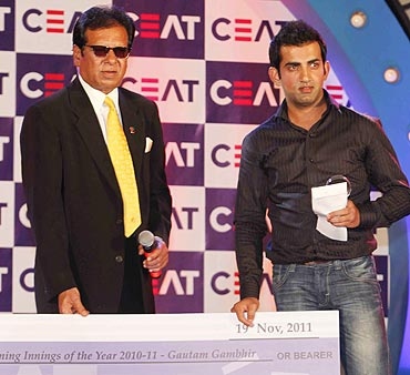 Gautam Gambhir receives the Match-Winning Innings of the Year award