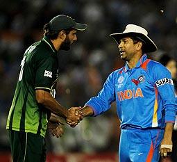 Shahid Afridi (left) with Sachin Tendulkar