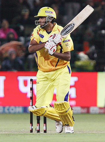 CSK bowlers need to pull up their socks