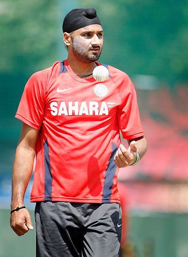'Will it be appropriate to say Harbhajan has been thrown out?'