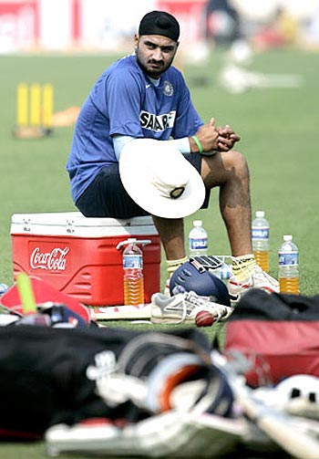 I was more surprised than hurt at being dropped: Harbhajan