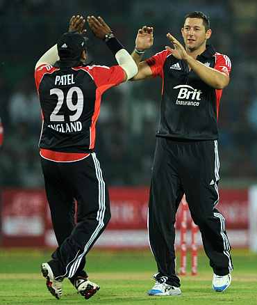Tim Bresnan celebrates after removing Parthiv Patel