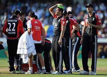 Jade Dernbach takes a break during the match
