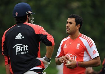 Cook speaks with Ravi Bopara