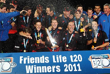 Matthew Hoggard and Paul Nixon of Leicestershire celebrate after defeating Somerset in the Friends Life T20 Final