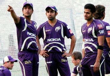 Gautam Gambhir with KKR teammates