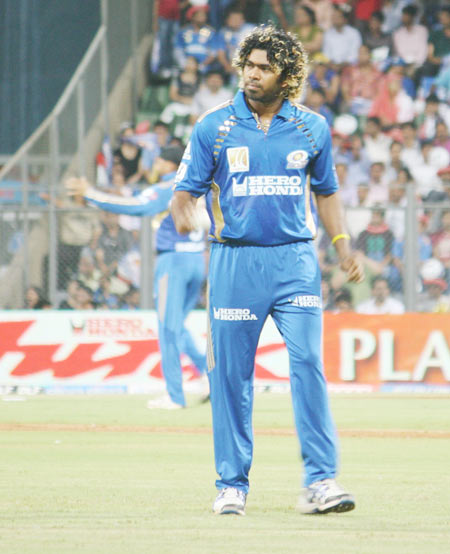 Malinga rattles Deccan Chargers