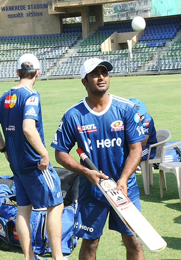 Rayudu takes Mumbai Indians past the finish line