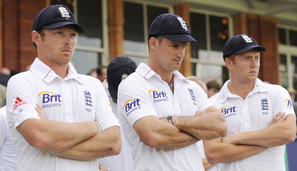 England's Ian Bell, Andrew Strauss and Jonny Bairstow wait for the presentations