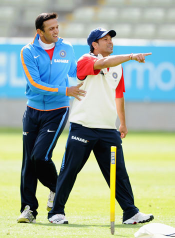 Hope Sachin continues to shoulder responsibility: Dravid