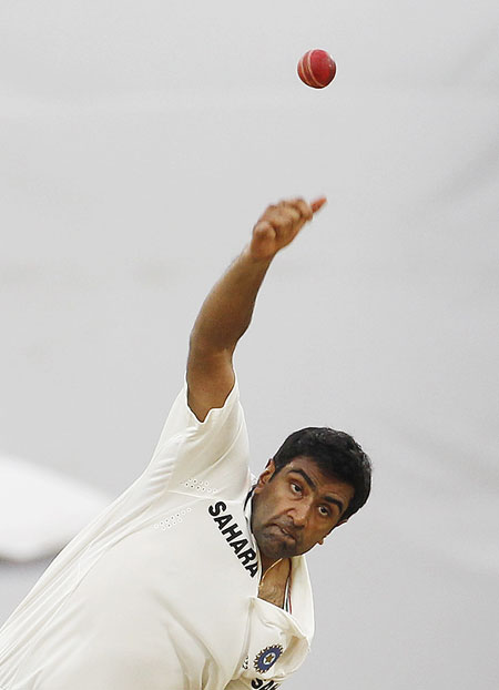 r Ashwin Bowling Ravichandran Ashwin Bowls