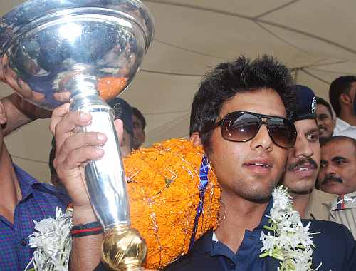Unmukt Chand arrives at Mumbai airport