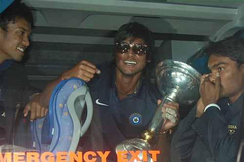 Kamal Passi and Sandeep Kumar with the India's U-19 World Cup trophy