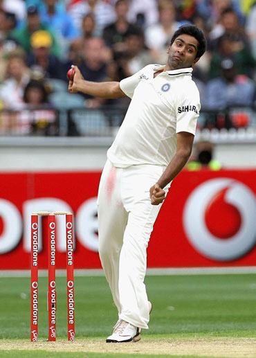 India will look towards Ashwin, Ojha to sweep series