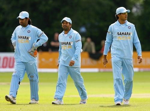 Sachin Tendulkar (centre) and Sourav Ganguly along with Mahendra Singh Dhoni