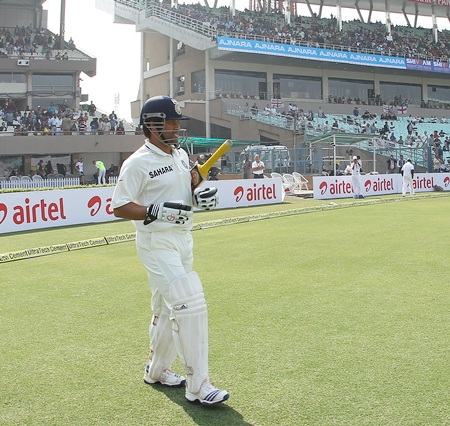 Sachin Tendulkar walks in to bat on Day 1 of the third Test at the Eden Gardens
