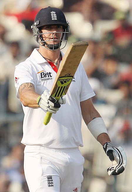 Kevin Pietersen celebrates on completing his half century in the third Test