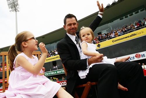 Ricky Ponting does a lap of honour with his daughters