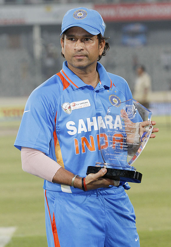 Compliments and surprise as Tendulkar quits ODIs