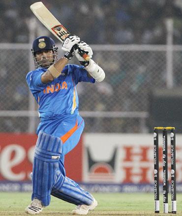 Pakistan bowling was savaged by Sachin's clinical batting