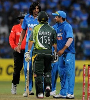 Ishant Sharma with Akmal