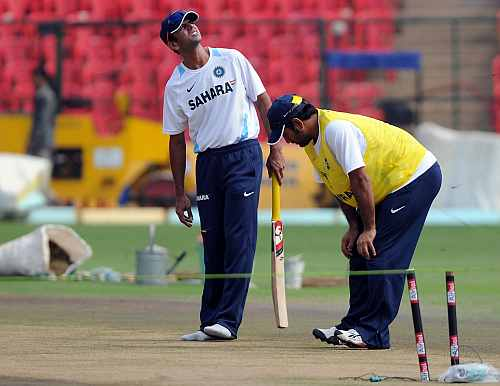 MS Dhoni and Rahul Dravid