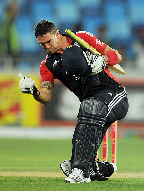 Pietersen, Broad soar