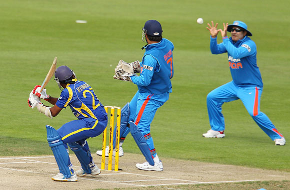 Jaywardene caught off Jadeja