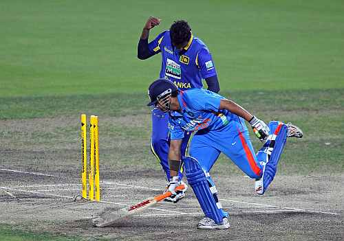 Angelo Mathews celebrates after Gautam Gambhir was run-out