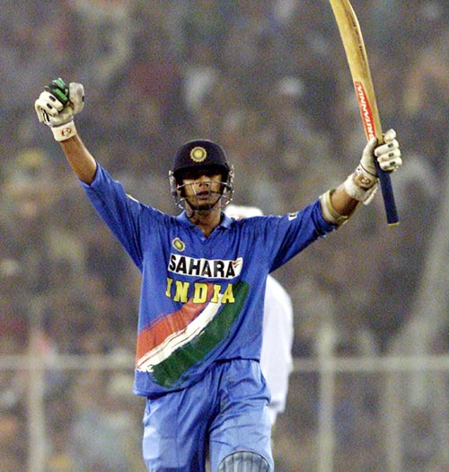 Rahul Dravid celebrates after winning the fourth One-Day International against the West Indies in Ahmedabad, on November 15, 2002