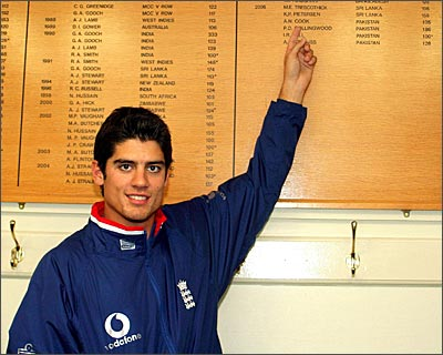 Sixes elude Alastair Cook