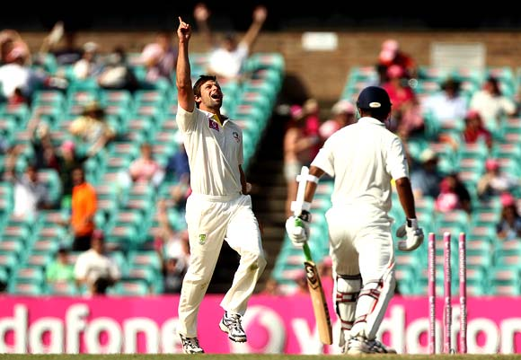 Rahul Dravid is bowled by Ben Hilfenhaus