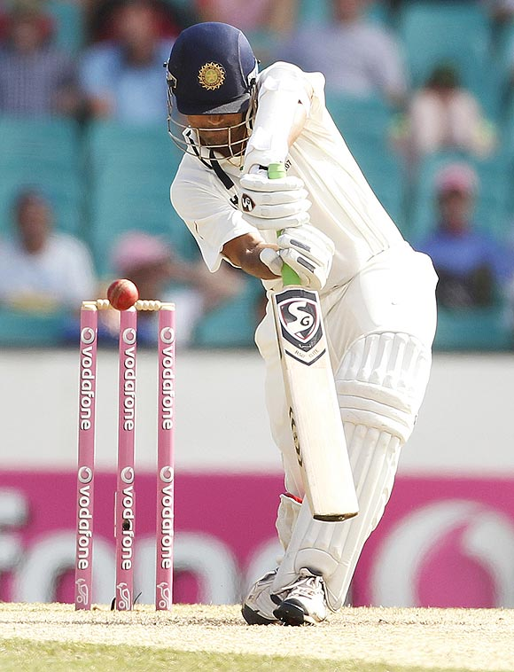 India's Rahul Dravid is bowled by Australia's Ben Hilfenhaus during the 2nd Test at the SCG