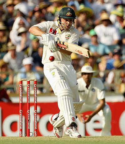 Ed Cowan plays a pull shot