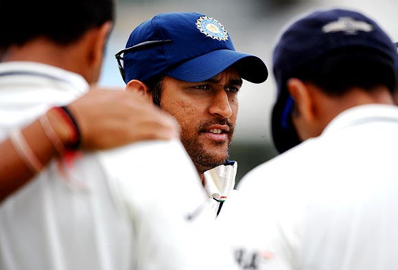 Dhoni unaware of Laxman's so-called retirement plans
