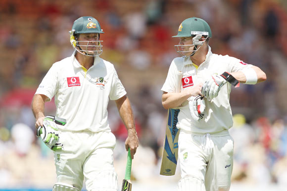 Ponting (L) and Clarke (R) during their partnership