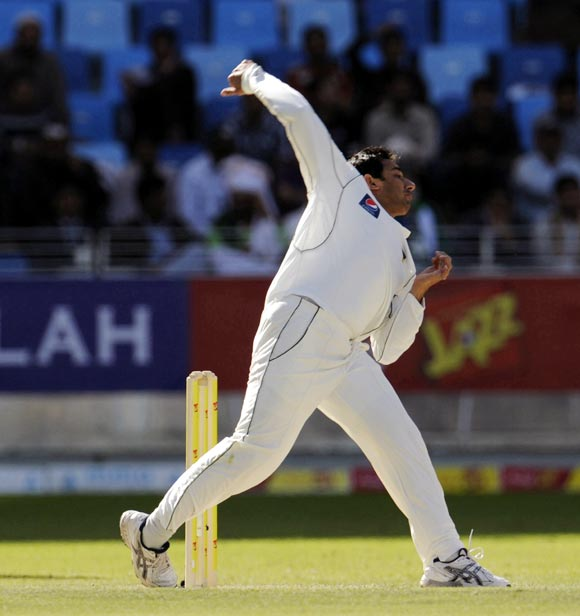 Pakistan offie Ajmal's action questioned again