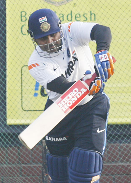Sehwag, Zaheer set to return for Sri Lanka tour
