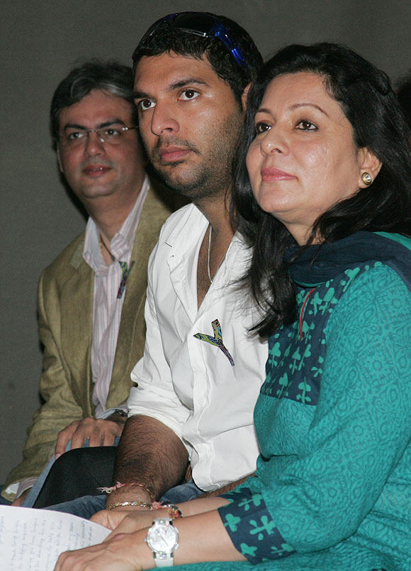 Yuvraj with his mother Shabnam Singh at the launch of 'YouWeCan'
