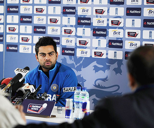 Dhoni tells me not to cross the line of aggression: Kohli