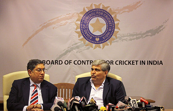 Shashank Manohar, president of  BCCI and BCCI secretary N Srinivasan (left)