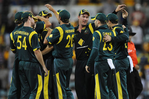 Warner ton drives Aussies to victory over SL