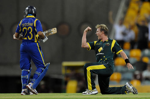 Brett Lee celebrates after he bowled Tillakaratne Dilshan