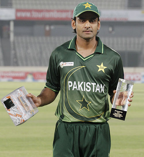 Pakistan's Mohammad Hafeez poses with the man-of-the-match trophy