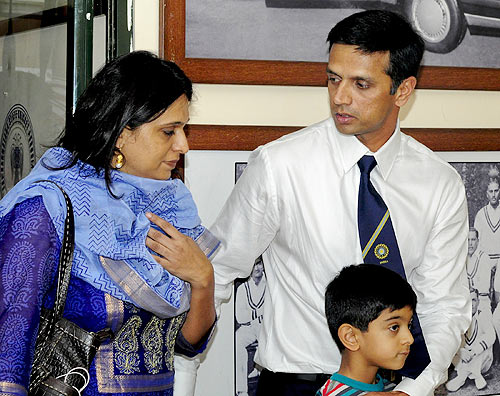 Rahul Dravid with wife Vijeeta and son Samit