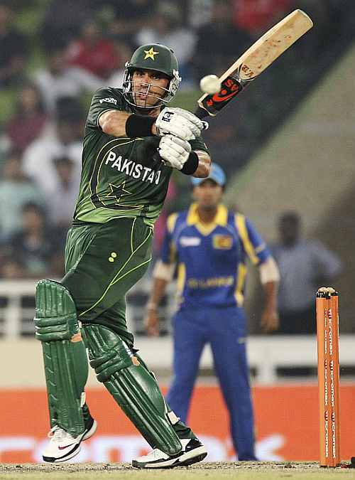Misbah-ul-Haq pulls one to the boundary