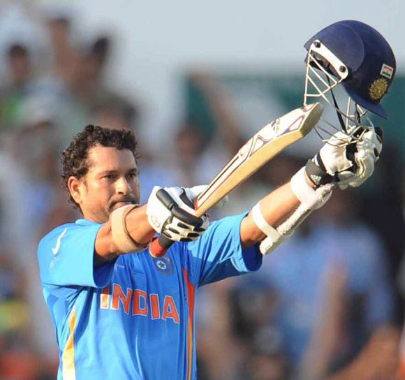 Finally, Sachin Tendulkar gets the elusive hundred