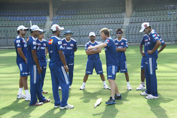 Pune Warriors look to arrest slide vs Mumbai Indians
