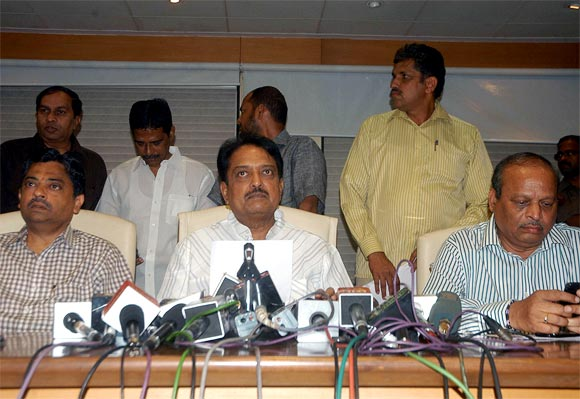 (Left to right): MCA vice-president Ratnakar Shetty, president Vilasrao Deshmukh and treasurer Ravi Savant
